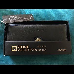 Stone Mountain Leather Black Wallet Purse New